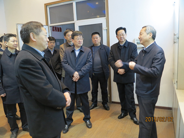 Mayor Shang Chaoyang and his party came to the company for condolences and inspections